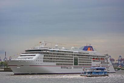MS EUROPA 2 zur Einlaufparade beim 824.Hamburger Hafengeburtstag 2013
