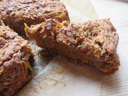 Die liebe Bedienung ließ uns freundlicherweise unseren spontan mitgebrachten, da frisch gebackenen veganen Kuchen im Restaurant verzehren.