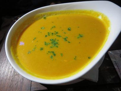 Karotten-Ingwersuppe (Karotte, Ingwer, Apfel)