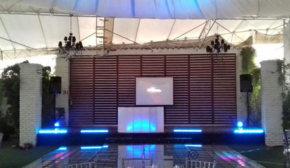 Karaoke Luz y Sonido en salón Evergreen en los XV años de Ximena