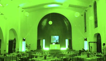 iluminación en verde,  karaoke Luz y Sonido en Casa de las Campanas dj para bodas