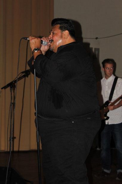 Memo Gonzalez in der Aula des Domgymnasiums...