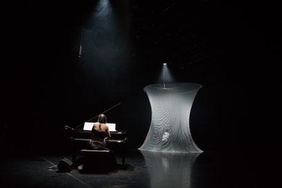 La Mode - by: Tomoko Mukaiyama, Stadtheater Bozen, photo: Yutaka Endo LUFTZUG