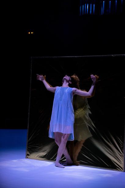 Faust Symphonie - by Matteo Carvone, Philharmonie am Gasteig, München, dancer: Anna Calvo; photo: Christophe Maitrejean