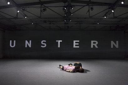 Unstern - by Moritz Ostruschnjak, Schwere Reiter, München, dancers: Antoine Roux-Briffaud, Lazare Huet; photo: Jubal Battisti