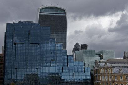 City of London mit ihren dominaten Neubauten