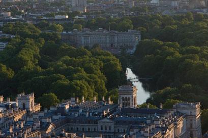 Blick aus dem London Eye auf St. James's Park und den Buckingham Palace