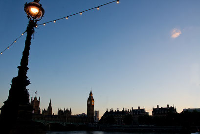 Westminster Bridge mit dem House of Parliament und Big Ben