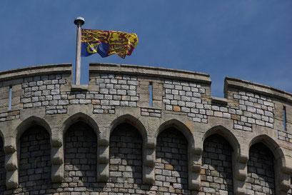 Windsor Castle - weht diese königliche Familienfarben ist die Queen auf dem Schloss