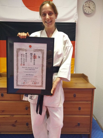 Bernhardt, Julia | 1.Dan am 30.04.2016 bei Ochi Sensei in Münster