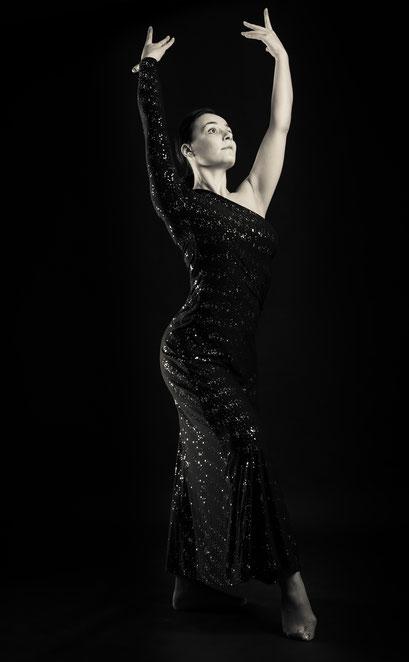 Tänzerin im Fotostudio