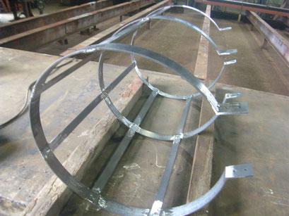貯水槽タラップ防護柵:工事写真