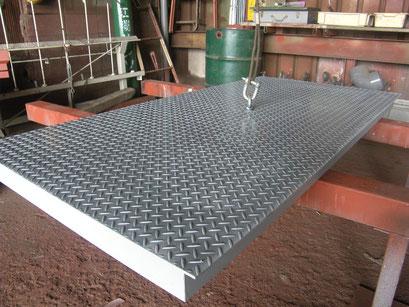 乗入れ鉄板改修工事の工事写真