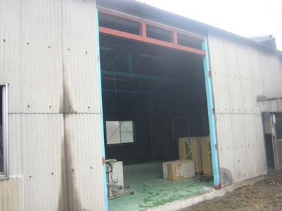 手動シャッター新設工事の工事写真