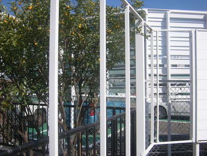 境界フェンス拡張工事の工事写真