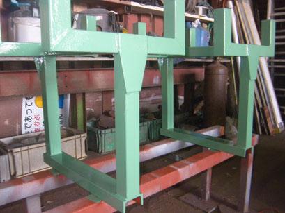 作業台脚部製作の工事写真