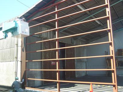 雨避け壁新設工事の工事写真