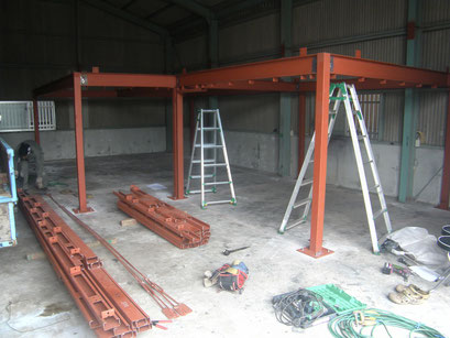 工場改修工事の工事写真
