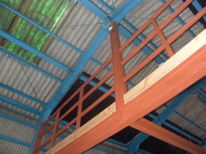 鉄骨階段及び手摺工事の工事写真