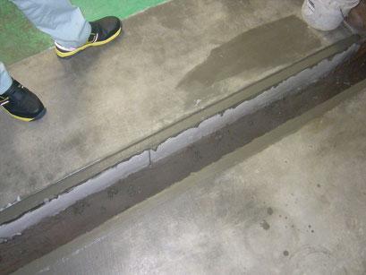 通路及び溝蓋改修工事の工事写真