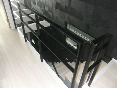 室内スチール手摺の工事写真