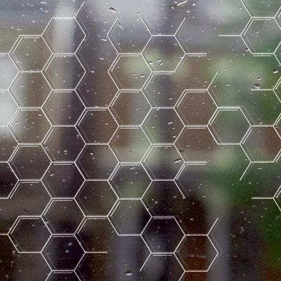 Lasergravur Honeycomb - auch auf farbigen Glas