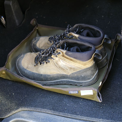 Mサイズ。汚れ物も気になりません。ブーツは28cmのもの。