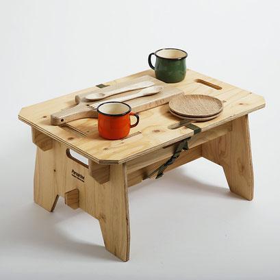 小さなテーブルにもなります。