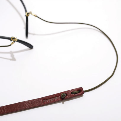 バーガンディレザー/オリブグリーン/ブラス金具 の組み合わせです。
