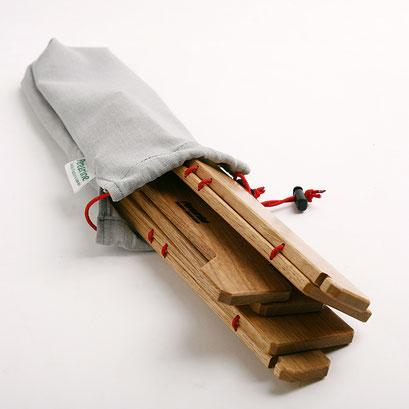 パタパタと折りたたんでコンパクトになります。