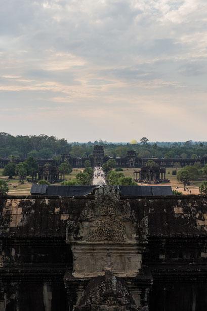 Angkor Wat mit Blick auf Haupteingang