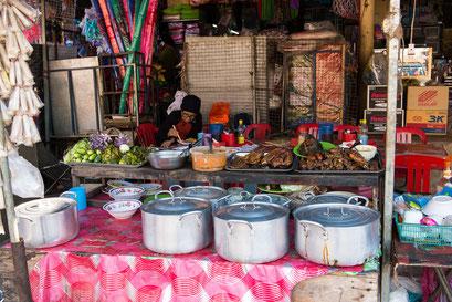Einheimischen Markt in Siem Reap / Food Court :-)