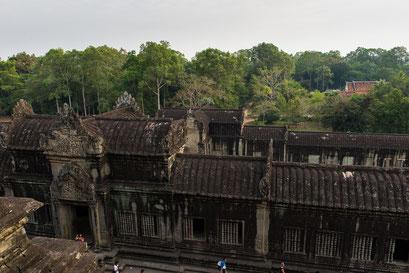 Angkor Wat mit Blick auf östlichen Eingang