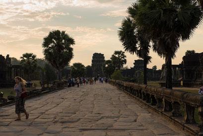 Angkor Wat: Weg zum Haupteingang