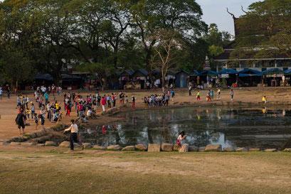 Angkor Wat: einer der Wasserbecken, von dem die meisten Sonnenaufgangsbilder gemacht werden