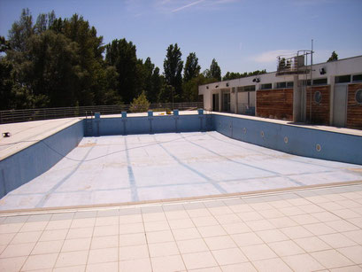 Piscine support polyester