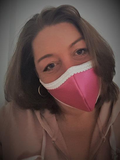 Damen Maske, Mund- und Nasenbedeckung_satin rosa mit weißer Spitzenborte inkl. Filter