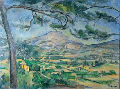 Der Berg Sainte-Victoire mit großer Kiefer