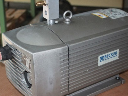© Elektromotoren - Reparaturwerk Rock Bild: Vakuum-Pumpen verschiedener Hersteller
