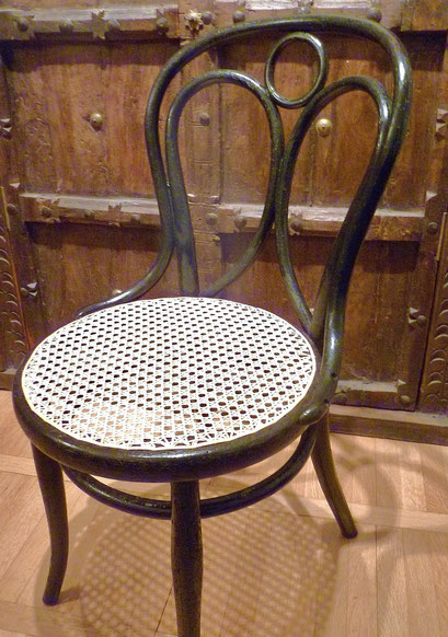 "cannage chaise Thonet N° 19 ""ailes d'ange"" estampillée -1860-1888"