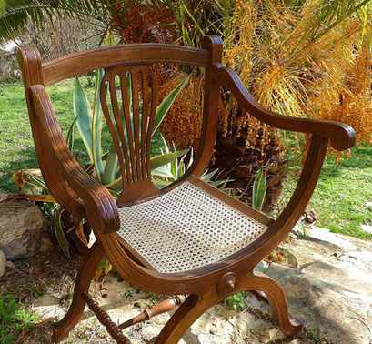 cannage traditionnel sur fauteuil Dagobert