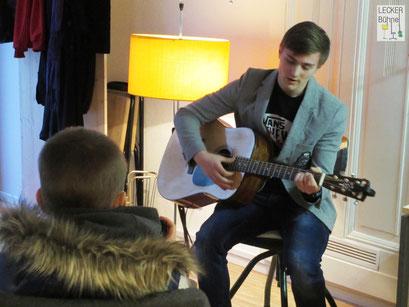 NIKITA ZATRAVKIN (Singer/Songwriter)