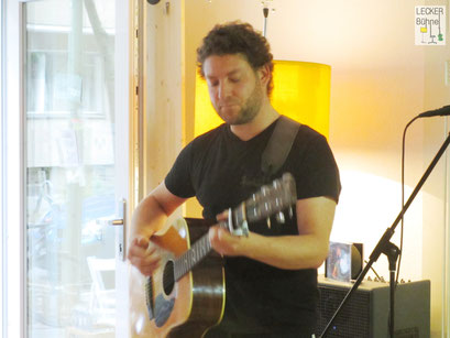 DAVID DWIER (Singer/Songwriter)