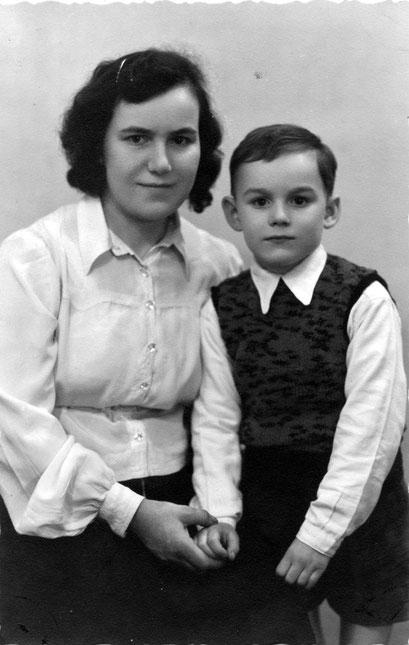 Martha Katterwe mit Sohn Wolfgang Jülke