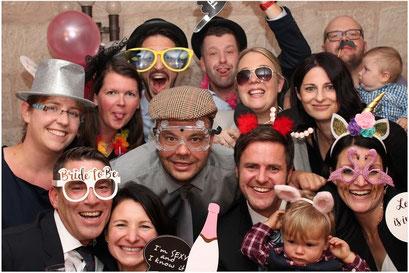 Gruppenfoto auf einer Hochzeit