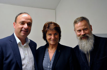 Grossratspräsident und Gemeindeammann Markus Dieth, Vizeammann Antoinette Eckert, Galerieleiter Rudolf Velhagen