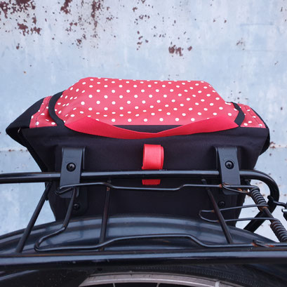 Gepäckträgertasche, Kleiner Karl, Rote Punkte,