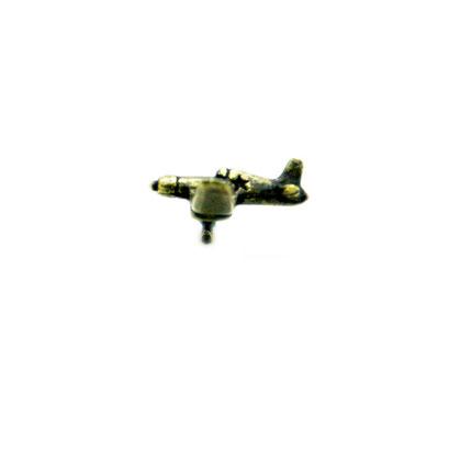 fighter:アメリカ海軍の戦闘機がモチーフ。corsair(コルセア)とは海賊の意だそうで名前の由来も、羽の形も凄くカッコイイ★