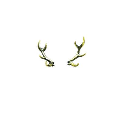 bambi:鹿の角の枝は大人になると増えていきますが、細く小さく作る事によって角が立派な子鹿をイメージして作りました。バンビーノな感じ★