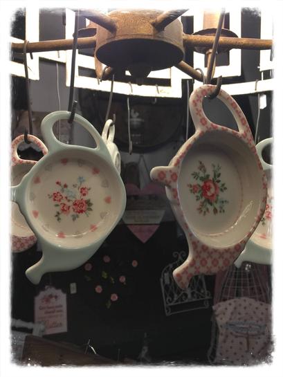 Teeablage, hellblau, weiß, rosa, Landhaus Stil, Shabby Chic, Vintage, Landhaus Dekoration mit Charme, Greengate